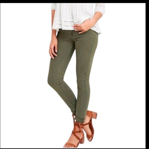 EUC JCrew Toothpick Ankle Olive Green Jeans